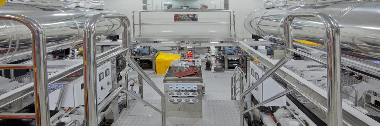 Superyacht-CHOPI-CHOPI-Engine-room